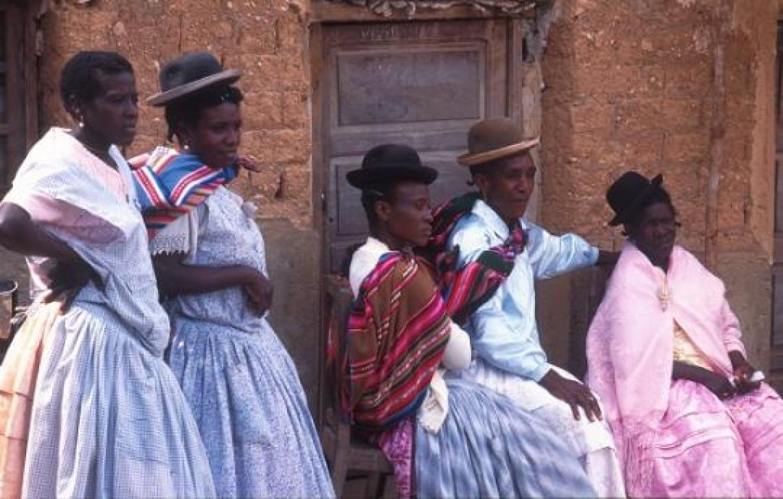 Afrobolivian Women, dress with the traditional Bolivian Chola cloths