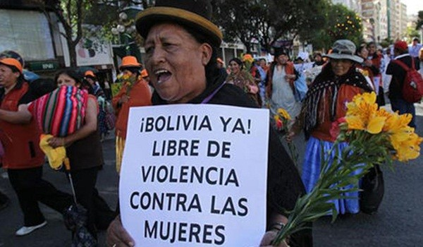 protesta-feminicidio-bolivia_lrzima20130304_0076_11-600x350